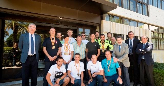 Agentes de la Policía Portuaria de Huelva.