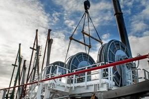 Sistema de carga y descarga, Proyecto Reina Sofía. El trabajo de comunicación para este proyecto ha valido a Cepsa su nominación en la categoría Tecnology.