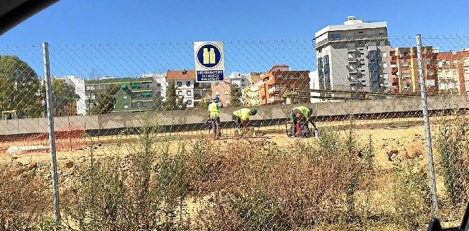 empleados-construccion-estacion-trabaandoayer