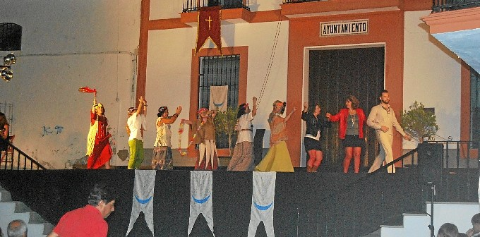 Escacena teatro Fuenteovejuna (1)