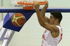 Manu Vázquez, jugador de baloncesto de San Juan del Puerto.