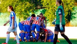 Jugadoras del Atlético de Madrid celebrando el triunfo ante el Sporting.