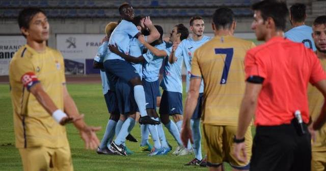Jugadores de El Ejido celebrando uno de los goles ante el Recreativo de Huelva. (Go deporte)