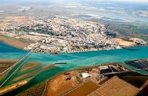 Puerto de Huelva.jpg