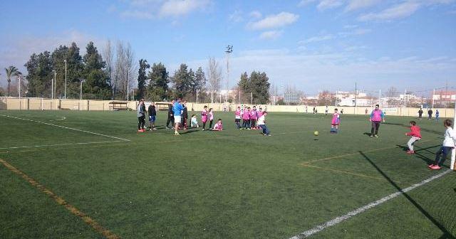 Torneo solidario de fútbol femenino en Isla Cristina.