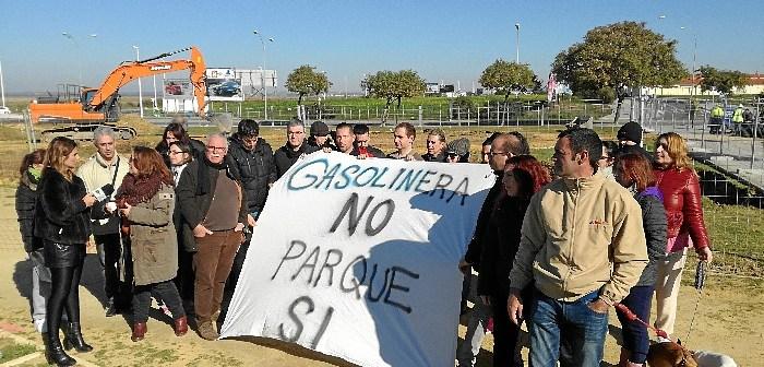 Plataforma contra la gasolinera en Marismas del Odiel (1)