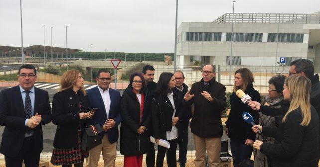 Responsables del PSOE ante el Chare de Lepe
