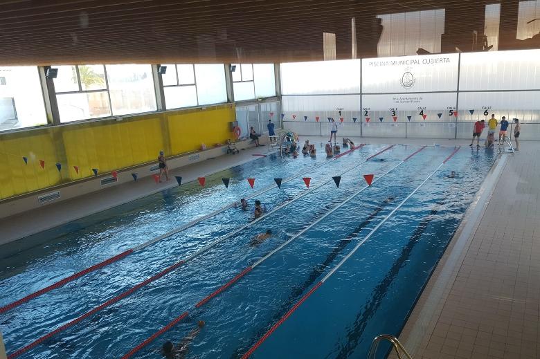 La piscina cubierta de san juan del puerto acoge este for Piscina municipal cubierta