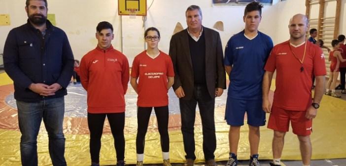 Integrantes del Club Lucha Libre el Campeón de Cartaya.