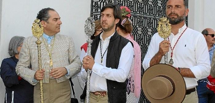 Alcalde, presidente del Consejo de Hermandades y hermano mayor de la matriz