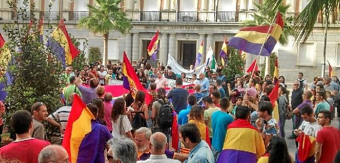 Concentracion-republicana en-Huelva