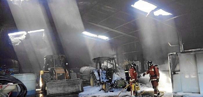 Incendio en nave de Villablanca (1)
