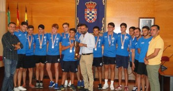Recepción al equipo de balonmano playa del Lacasitos-PAN Moguer.