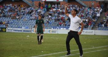 Javier Casquero, entrenador del Recreativo. (Tenor)