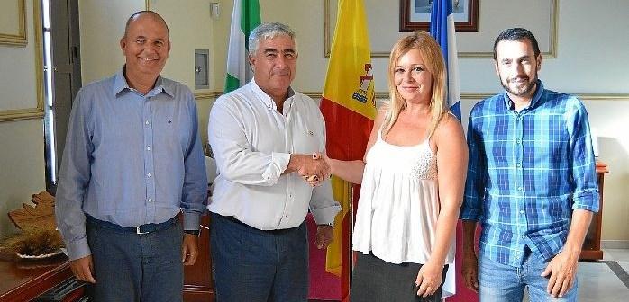 2.Rocío Cárdenas, José Miguel Vázquez, Miguel Beltrán e Iván Guerrero, en la firma del convenio