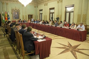 Pleno de octubre en el Ayuntamiento de Huelva (1)