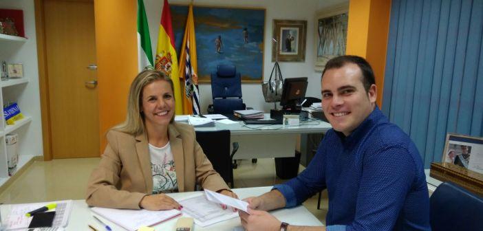 Reunion alcaldesa de Isla y nuevo presidente local del PP