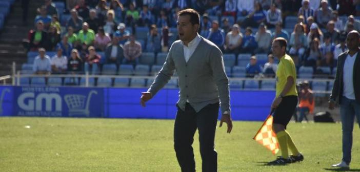 Ángel López, técnico del Recreativo de Huelva. (Tenor)