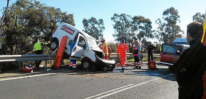 Los accidentes en carretera han vuelto a ser noticia desgraciada. En este, cerca de Beas, murió un trabajador de supermercados El Jamón.