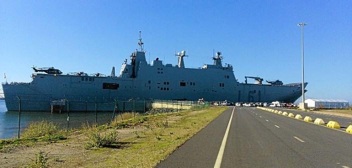 Portaaviones Juan Carlos I en el puerto de Huelva (3)