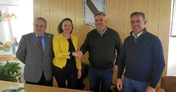 firma contrato adjudicación obras centro salud Gibraleón