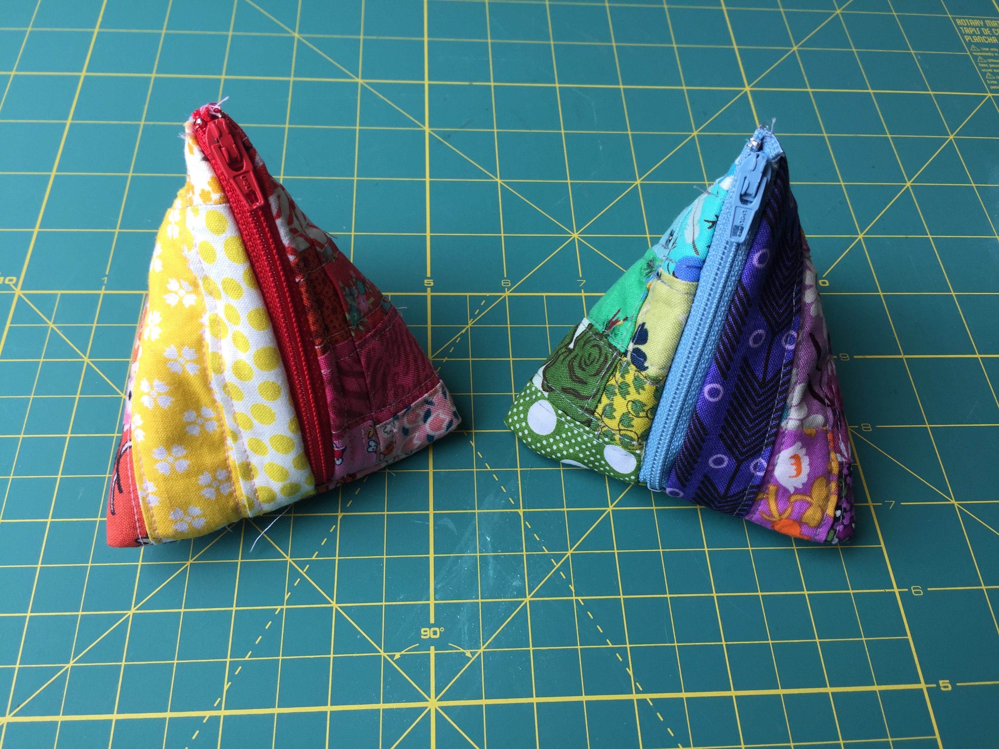Triangle Pouches! from Hugs are Fun
