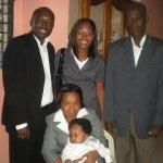 Photo de Vilarson bien portant avec sa famille