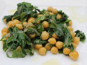 Chickpeas-spinach-salad1