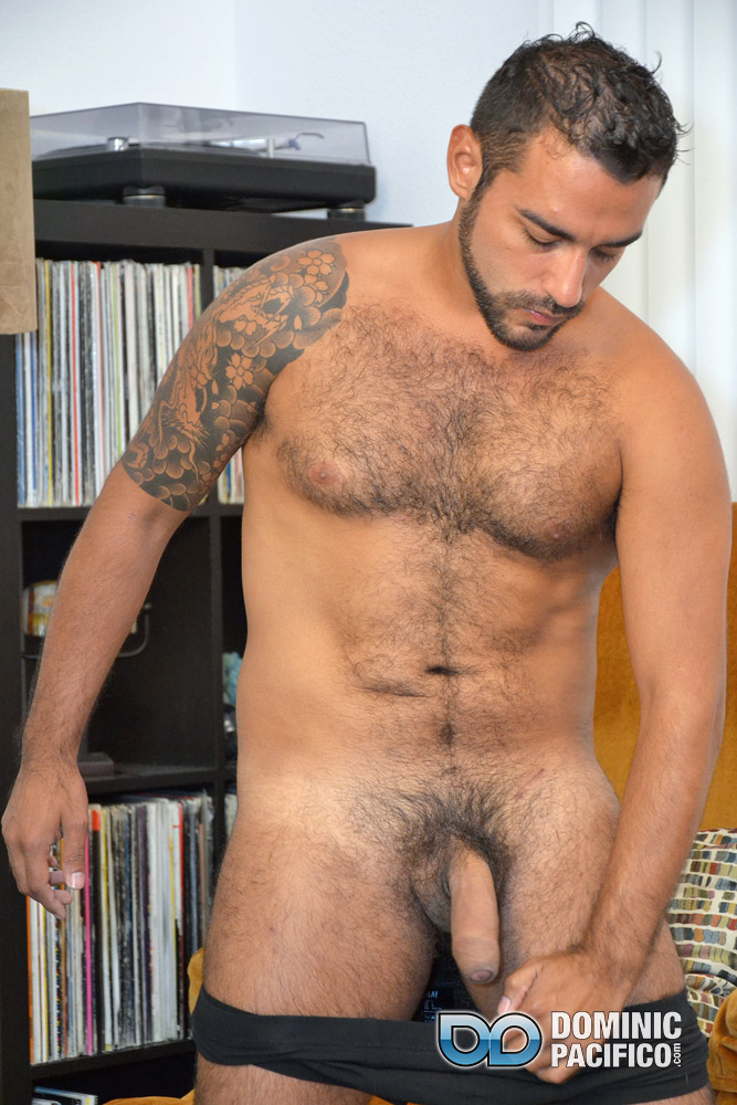 image Well hung straight black men pissing hot