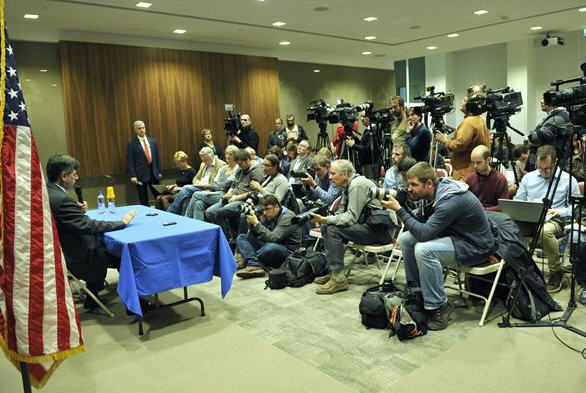 """M. André Goodfriend, the star of the """"left-liberals at a press conference"""