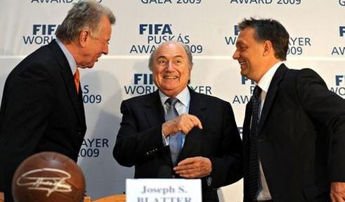 Pál Schmitt, Sepp Blatter, and Viktor Orbán in 2009 at the Puskás Award ceremony