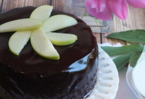 cover-chocolate-ganache-cheesecake-melissa-bailey