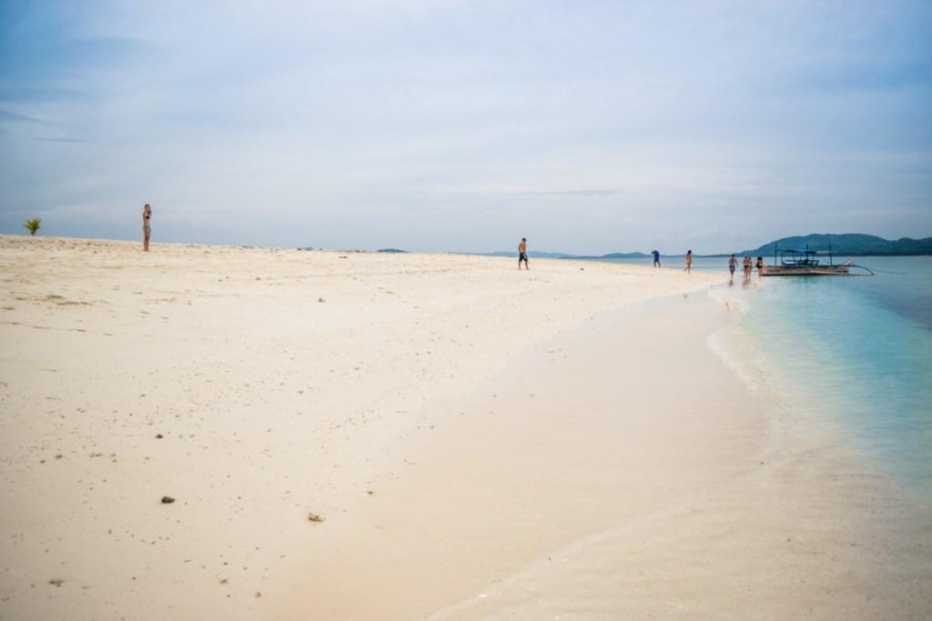 Už sme aj vyhladli a tak pokračujeme dalej na ostrov Dako