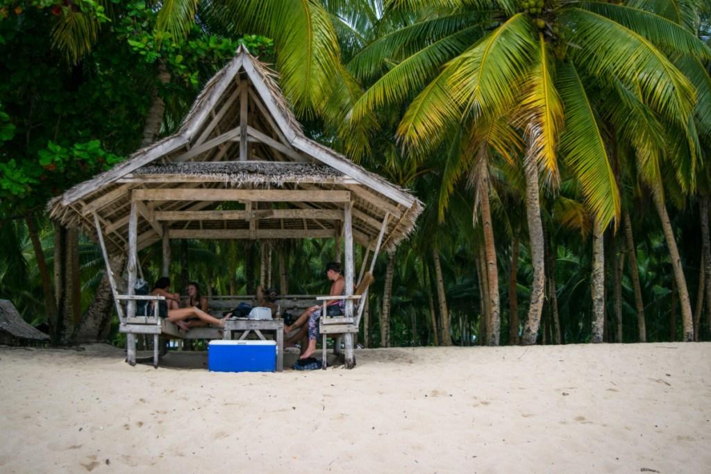 Chillovací altánok na ostrove Dako