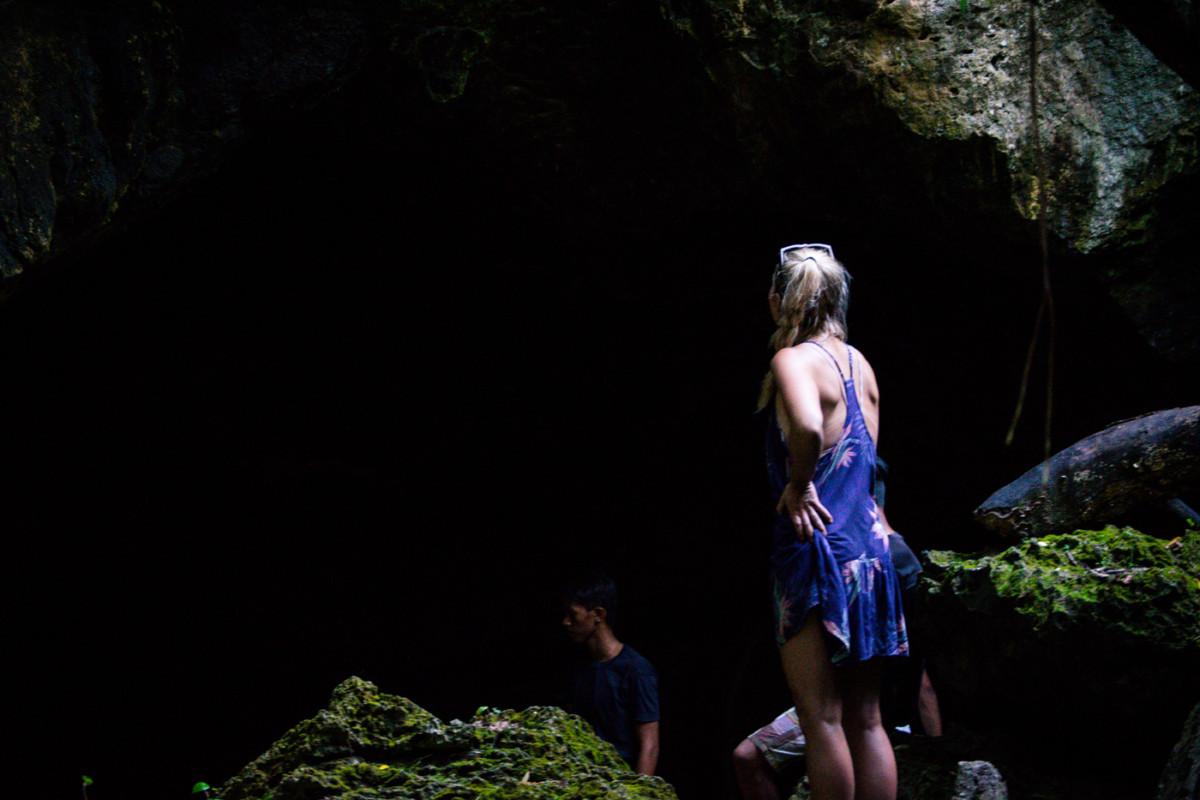 Vchod do nepoznanej jaskyne...vošli by ste?