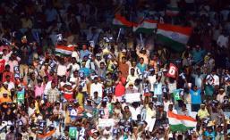 Cricket fans at India vs. Aus test match