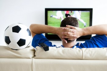 watching_football_on_tv