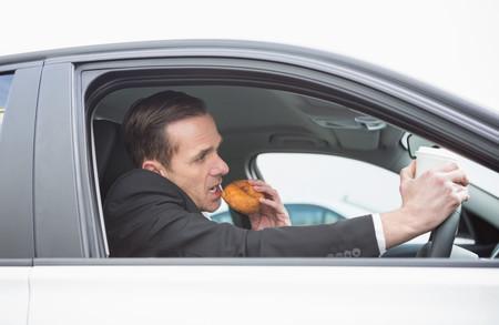 La importancia de saber qué comer al volante