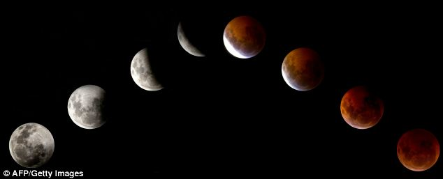 A previous total lunar eclipse as seen from Mexico city on December 21, 2010: tonight's will be visible across America from 2AM
