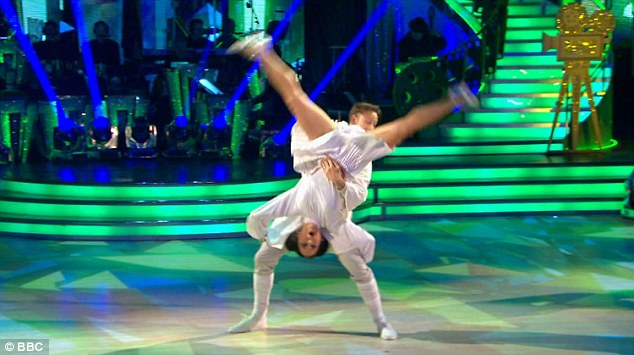 Upside down! Kellie stunned audiences as she and Kevin danced to the Star Wars theme tune and acted as Princess Leia and Luke Skywalker respectively