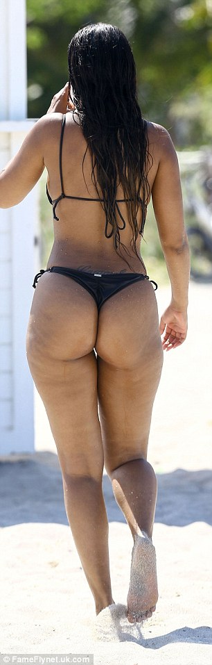 Cheeky! Fanny flaunted her sizable yet peachy derriere