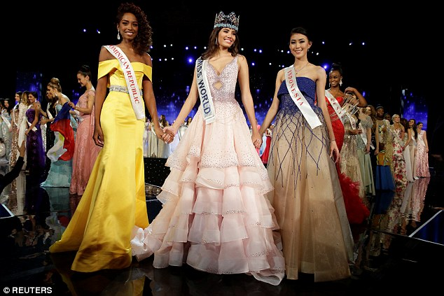 Miss Del Valle with runners upYaritza Miguelina Reyes Ramirez of the Dominican Republic, left, followed by Miss World Indonesia Natasha Mannuela, right