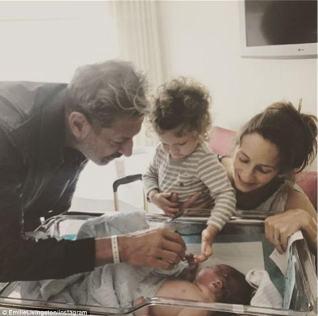 Image result for jeff goldblum emilie livingston gives birth