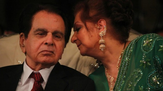 Dilip Kumar with his wife Saira Bano at the launch of his autobiography - Photo courtesy India.com