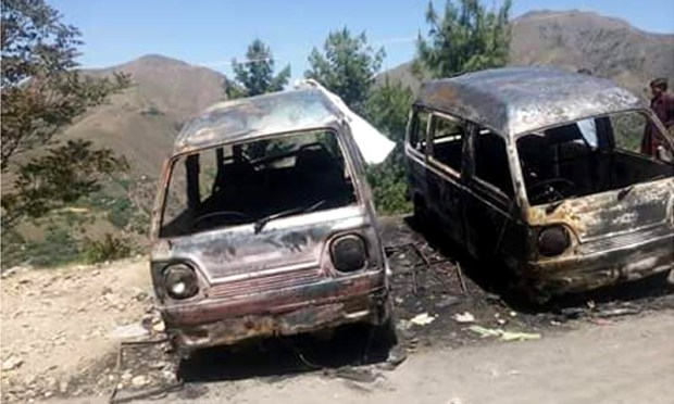 The girl's charred body was found in the backseat of the van. ─ DawnNews