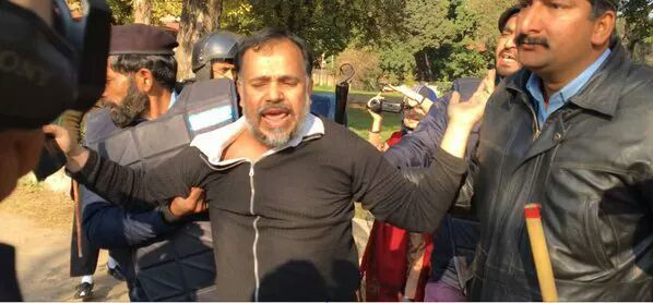 Khurram Zaki was 'detained' during the campaign against Lal Masjid - Khurram Zaki's Facebook page