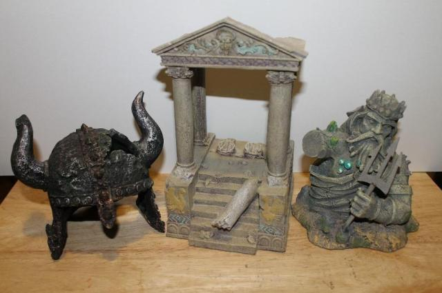 Fish Tank Resin Ornaments   Greek Temple / Greek  / Viking Helmet