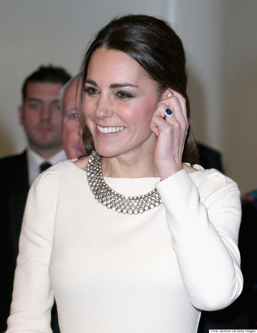 kate middleton engagement ring replica banned n princess kate wedding ring duchess of cambridge ring
