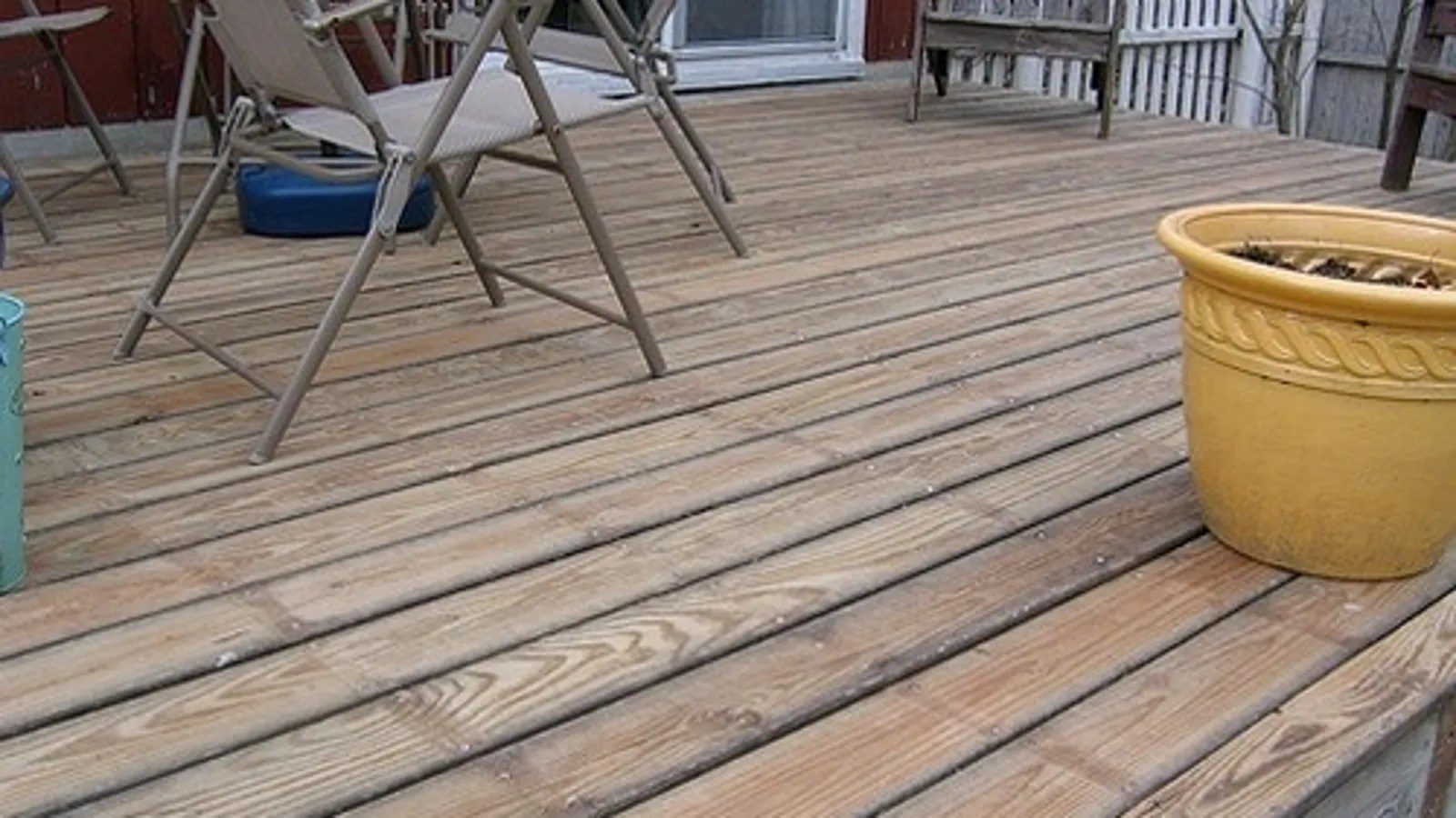 Preferential Screws Sanding A Deck By Hand Flip Your Deck Boards Before Shelling Out A New Deck Sanding A Deck houzz-02 Sanding A Deck