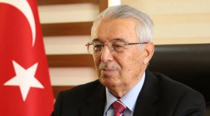Oğlu ve yeğeni FETÖ'den tutuklu AKP'li başkan 'Hayır' diyecekleri Haçlılara benzetti!